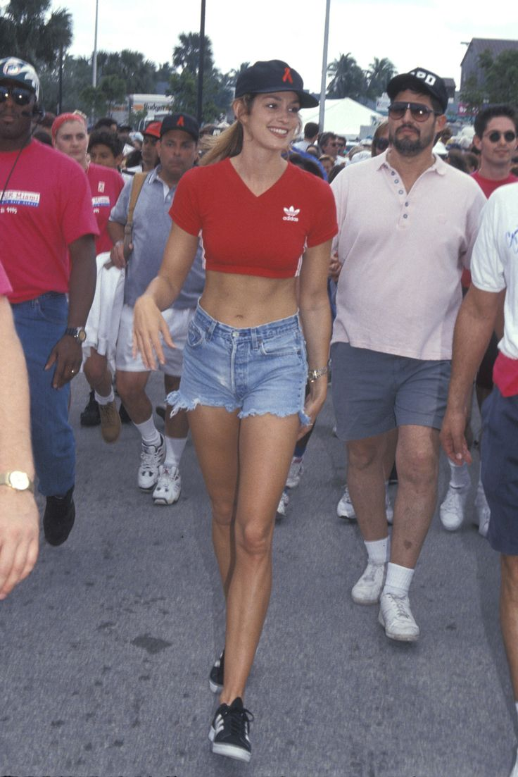A Look Back at Cindy Crawford's Inimitable All-American Denim Style - Gallery - Style.com