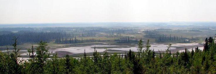 Print PDF Parc national Wood Buffalo Le parc national Wood Buffalo est un parc national du Canada situé dans le Nord-Est de l'Alberta et le Sud des Territoires du Nord-Ouest. Avec sa superficie de 44 807 km2, il s'agit du plus grand parc national au Canada...