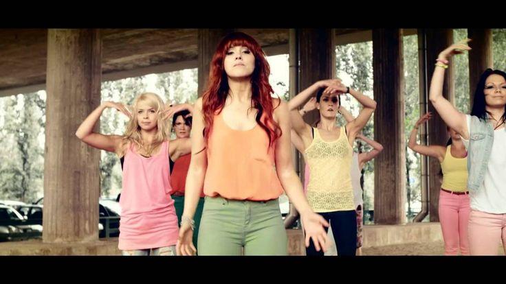Jannika B - Hulluksi onnesta (Official Music Video)