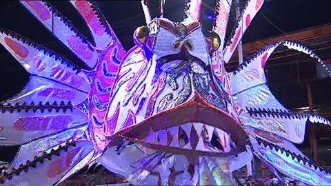 Desfile de disfraces, Imitación, Creatividad, Carnaval, Trinidad y Tobago, Escenario, Show, Disfraz (Vestimenta), Pez (Especie animal), Puesta en Escena, Caminar, 1 (Cantidad), Asulto, Stock Footage,