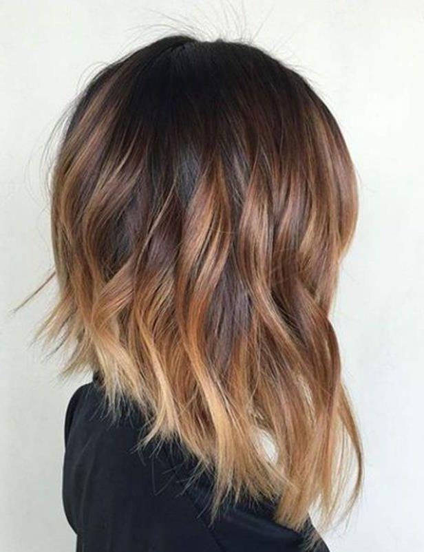 Sauvegarder Maintenant Style Ces Nouvelles Colorations Qui Vont Booster Votre Coupe Ombre Hair Carre P Carre Plongeant Carre Plongeant Court Style De Cheveux