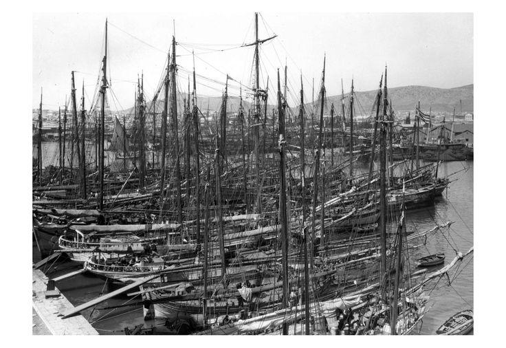 Πειραιάς 1926  The New York State Archives  από την σελίδα: Ιχνηλατώντας τις ρίζες της ελληνικής παράδοσης.