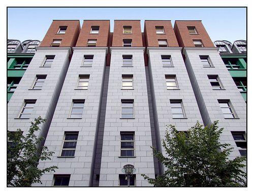 berlin quartier sch tzenstrasse aldo rossi arquitectura pinterest berlin. Black Bedroom Furniture Sets. Home Design Ideas