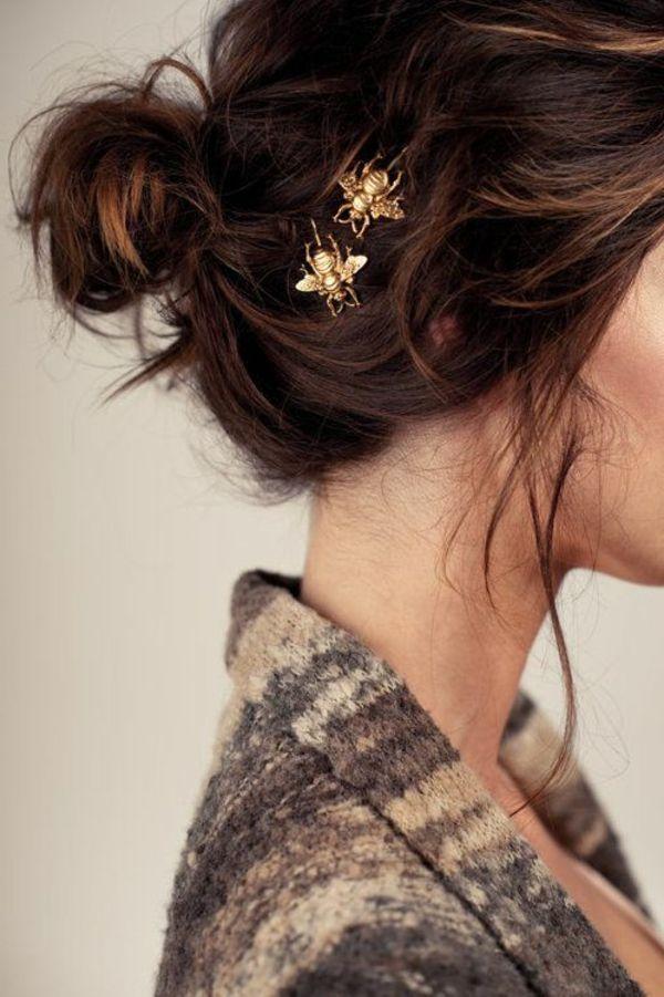 un accessoire en or pour votre chignon romantique