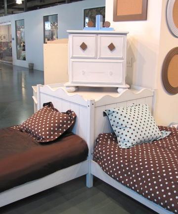 Relics Furniture Curvy Wonderland Twin Corner Platform