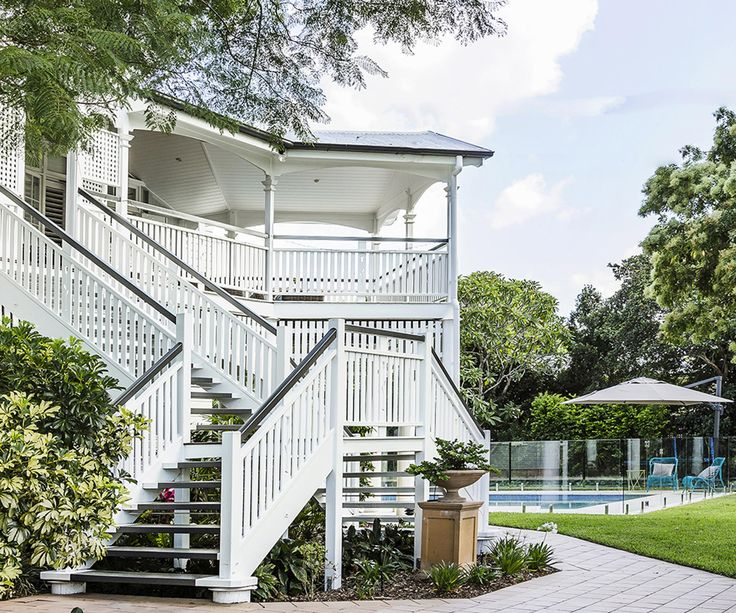 Take a tour of a gracious, recently renovated six bedroom Queenslander in Brisbane's Inner North