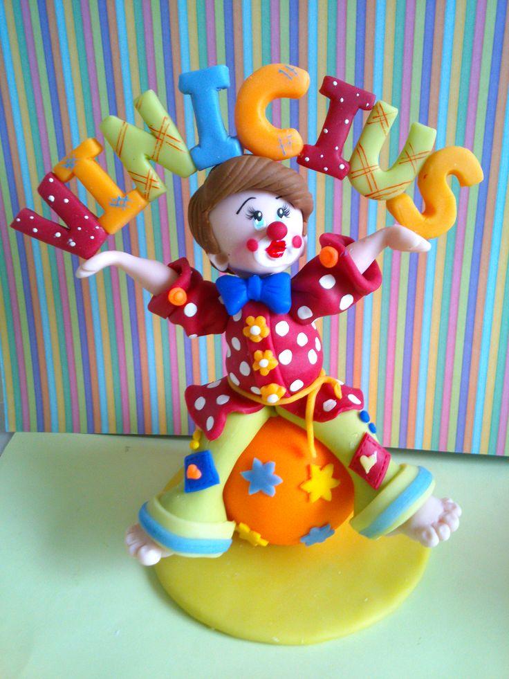 Topo de bolo Palhaço em biscuit - Claudia Voltolini