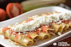 Tacos de carne deshebrada hecha por Sonia Ortiz. Unos taquitos deliciosos fácil de preparar acompañados de una salsa picante.