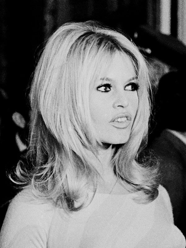 The Bouffant - Brigitte Bardot's 11 Most Iconic Hairstyles