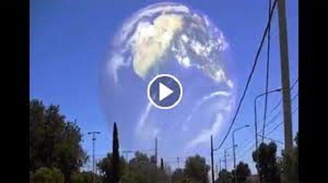 Ανεξήγητο Διαδιάστατο Vortex εμφανίσθηκε πάνω από το Σακραμέντο [video]