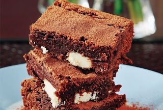 SYNTAGES - ΣΥΝΤΑΓΕΣ ΜΑΜΑΚΑΣ: Οι Καλύτερες Συνταγές Μαγειρικής!: Μπράουνις τριπλής σοκολάτας