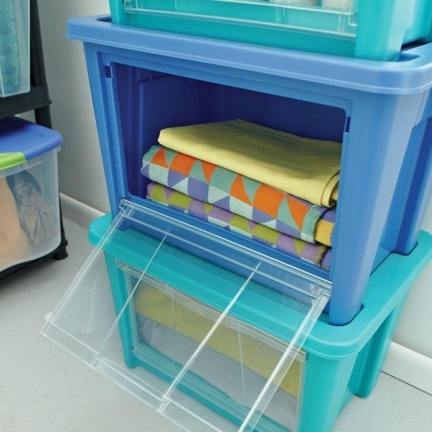 Best 25 pool float storage ideas on pinterest pool toy for Swimming pool storage ideas