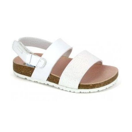 Sandalias de niña de la marca pablosky modelo 446300 en color blanco , de suela bios con plantilla secante antibacteriana , suela de goma antideslizante.