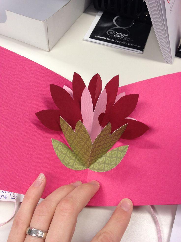 carte pop up fleur papier pinterest pop and pop up. Black Bedroom Furniture Sets. Home Design Ideas