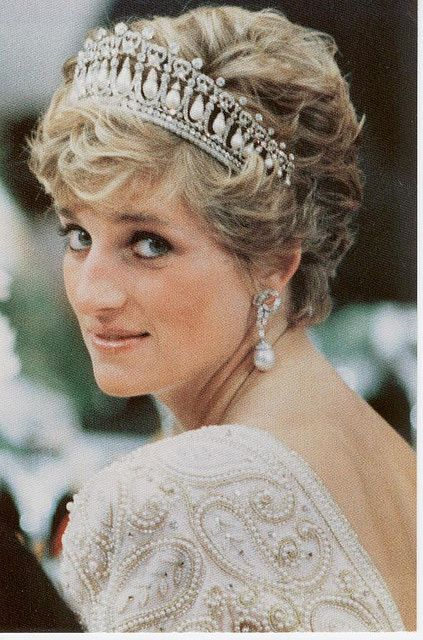 The Princess of Wales (later Diana, Princess of Wales) wearing The Cambridge Lovers Knot Tiara.