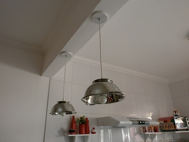 luminária com escorredor de macarrão: Sempr Lar, Noodles, Luminária Moderna, Brunch, Decoração Bonita, Lar Sempr, Escorredor De