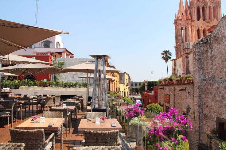 The best view in San Miguel de Allende: the rooftop at QUINCE. La mejor vista en San Miguel de Allende: la terraza superior en QUINCE.