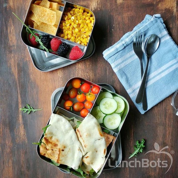 Whether it's a sandwich or sushi with salad or fruit, these LunchBots need to be your go to! Virtually unbreakable, lasts forever, super easy to clean and no nasty toxins. Available in many colours and can include up to 5 compartments. Click the link to see our range. Photo credit: LunchBots
