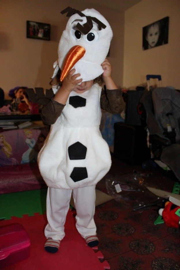 Kids costumes, olaf, frozen