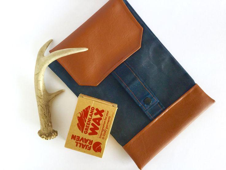 Dad diaper wallet / Navy blue waxed canvas pouch / Gender neutral diaper bag…