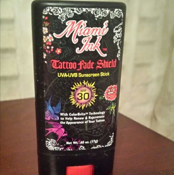 New Miami Ink Tattoo Fade Shield Helps keep the appearance of your tattoos from fading while tanning..just apply this over your tattoos right before getting in the sun or tanning bed..never used Miami Ink Makeup