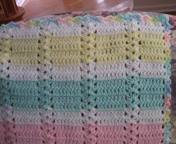 Hushabye Simple Shell Afghan | FaveCrafts.com #crochet #crochetstitch #shellstitch