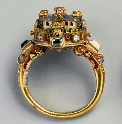 Ring with mansion...XVI century b.C.