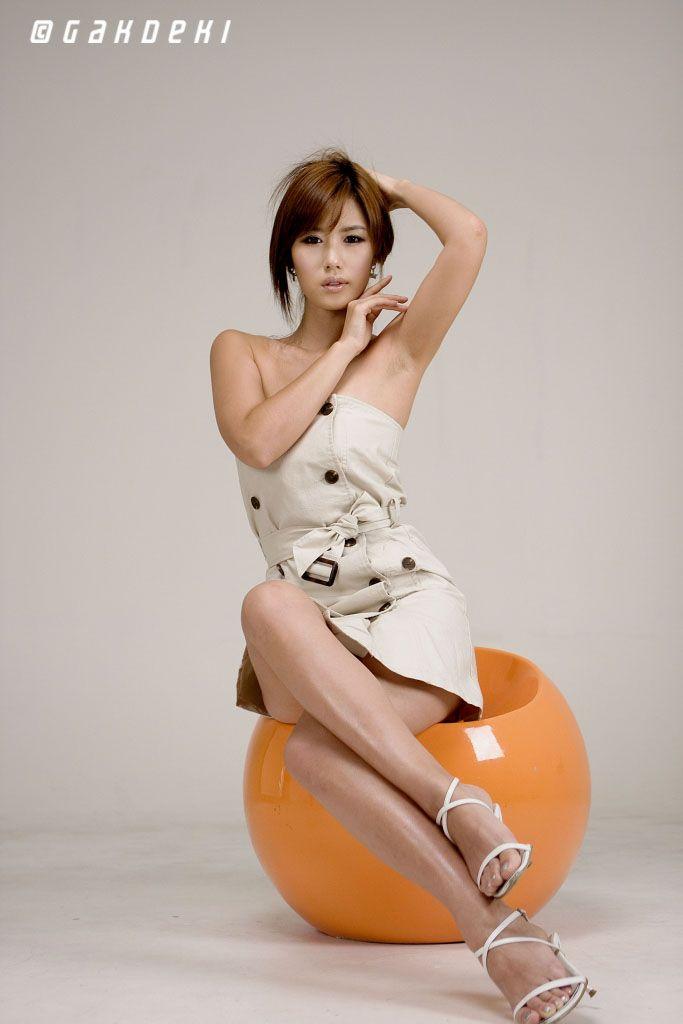 http://mycutecollection.files.wordpress.com/2011/01/song-jina-3.jpg