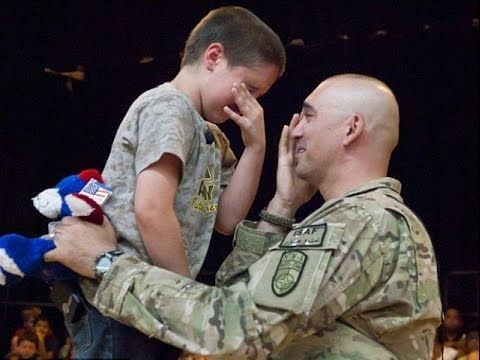 Veterans Day: Soldiers Returning Home - YouTube