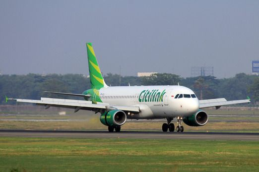 Citilink A320. 7 are leased from Volaris. Those planes will be returned to Volaris upon completation of A320neo orders along with new A320 aircraft. Photo by Reska K. Nistanto