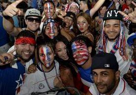 4-Jul-2014 14:21 - AMERIKAANSE KRANT STEUNT NU ORANJE: 'YANKEE STAMT AF VAN JAN-KEES'. De Amerikaanse krant The Wall Street Journal roept Amerikanen op achter Oranje te gaan staan op het WK voetbal, nu de VS zelf zijn uitgeschakeld...