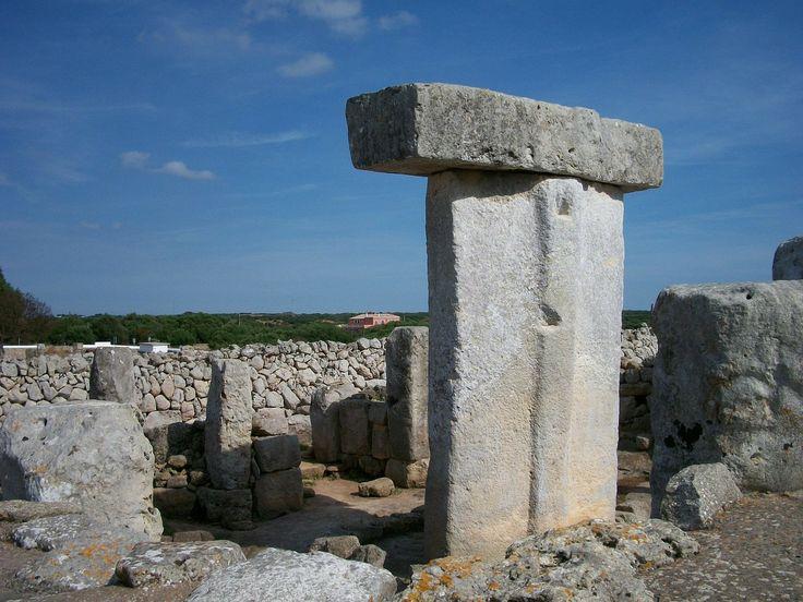 (24/04/15) MENORCA ES TODO UN MISTERIO POR DESCUBRIR. http://www.mnkvillas.com/blog/menorca-es-todo-un-misterio-por-descubrir Te desvelamos una de las razones por las que visitar esta isla balear. Hoy te hablaremos de los monumentos más misteriosos de #Menorca.   ¿Te vienes?...  MNK Villas Alquiler de casas y villas en Menorca - Islas Baleares (España) www.mnkvillas.com (+34) 971 153 571 #alquilervillas #alquiler #alojamiento #vacaciones #turismorural #alquilermenorca #alojamientomenorca…
