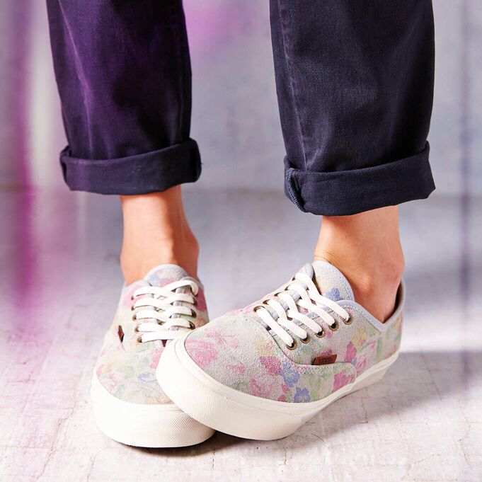Vans - Shoes  pin on http://uplike.com/b/549845cf47e5775a1d000dcc/vans