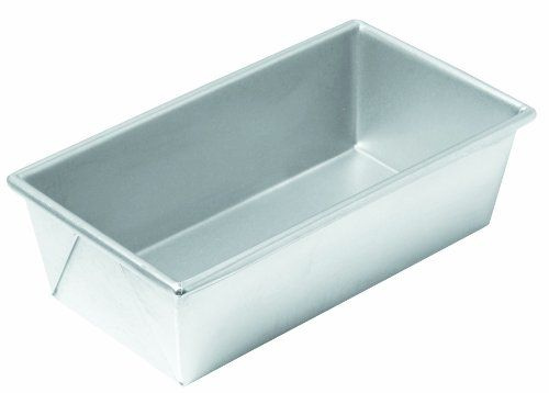 Chicago Metallic Commercial II Traditional Uncoated 1-Pound Loaf Pan CHICAGO METALLIC http://www.amazon.com/dp/B003YKGRKU/ref=cm_sw_r_pi_dp_JSrrub1E69NMH