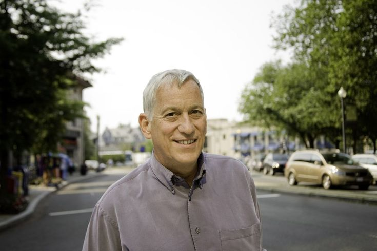 """Lessons from Steve Jobs, Leonardo da Vinci, and Ben Franklin      """"Education is supposed to juice your curiosity, not diminish or sate it."""" – Walter Isaacson Walter Isaacson (@WalterIsaacson) is a professor at Tulane University, and the presiden… https://tim.blog/2017/10/14/walter-isaacson/"""
