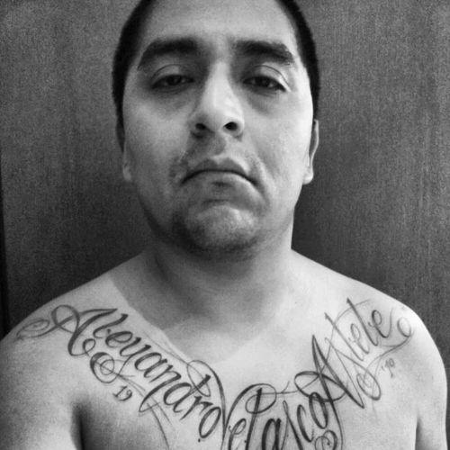"""Chi sarà il vincitore del nostro #casttattoo?? Ecco la storia del 2° classificato   Inigotodaro  """" Ho fatto questo tattoo al ritorno dal mio primo viaggio in Perù, dove sono nato. E` il nome dell'aeroporto di Cuzco dove sono stato abbandonato. Non mi vergogno a dirlo né a mostrarlo: sono le mie origini, il mio punto di partenza. """""""