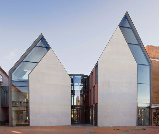Volksbank Gifhorn by Stephan Braunfels Architekten (DE)