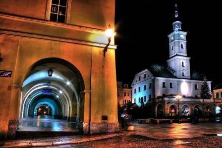 Magiczne, innowacyjne, sentymentalne, aktywne – tak jawi się nasze miasto w oczach laureatów konkursu fotograficznego dla gliwiczan 65+. Nagrodzone i wyróżnione prace można znaleźć na miniwystawie w Urzędzie Miejskim w Gliwicach.  I miejsce - Alicja Blukacz #gliwice