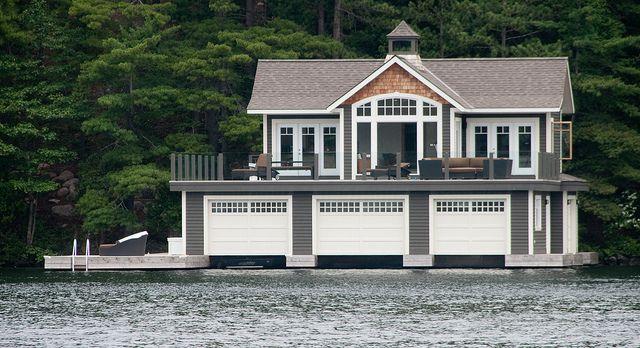 Muskoka cottage    www.visitmuskoka.com/muskoka_lakes_map.htm