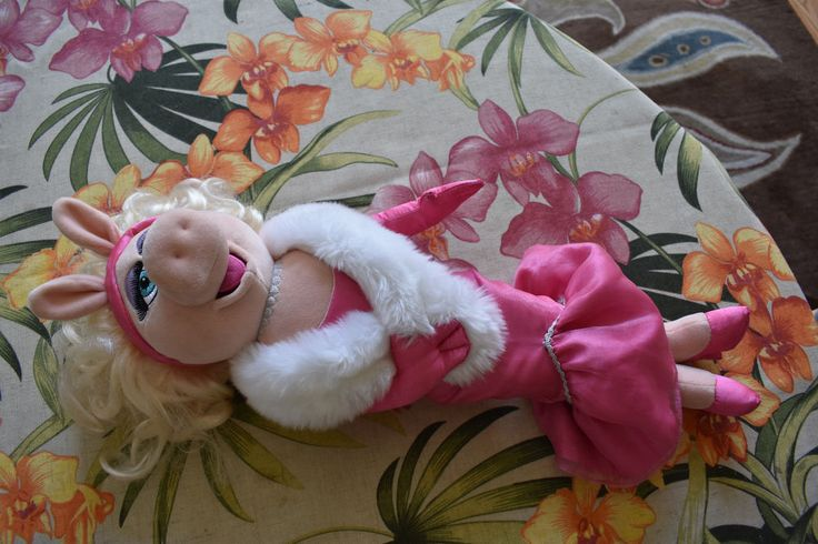 "DISNEY STORE 20"" Plush MISS PIGGY MUPPET Lg Movie Toy Stuffed Doll Pink Dress Ms   Toys & Hobbies, TV, Movie & Character Toys, Muppets, Sesame Street   eBay!"