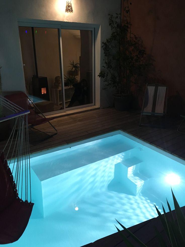 Petite piscine au calme