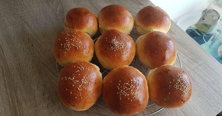 Mennyei Hamburgerzsemle recept! Nagy kedvencünk, egyszerű és nagyon finom.