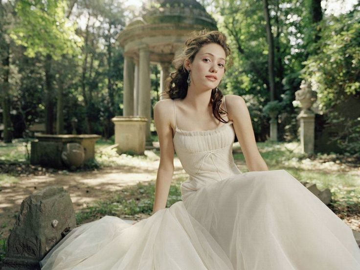 I'd love to find a picture of Emmy Rossum in regency clothing.