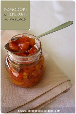 Pomodori e peperoni al naturale (sottovetro)