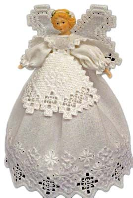 This is a very pretty angel from Nordic Needle. - found on nordicneedle.com - Wendy Schultz ~ Christmas Crafts.