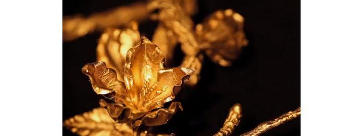 Poussez la porte de l'imaginaire fantastique de Delfina Delettrez pour découvrir ce jardin d'hiver singulier, où naissent les bijoux imaginés par la créatrice italienne en exclusivité pour Yoox.com. Une collection capsule baptisée Frozen Garden, mêlant be