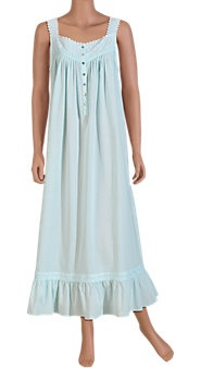 Im such a sucker for a good old fashioned nightgown