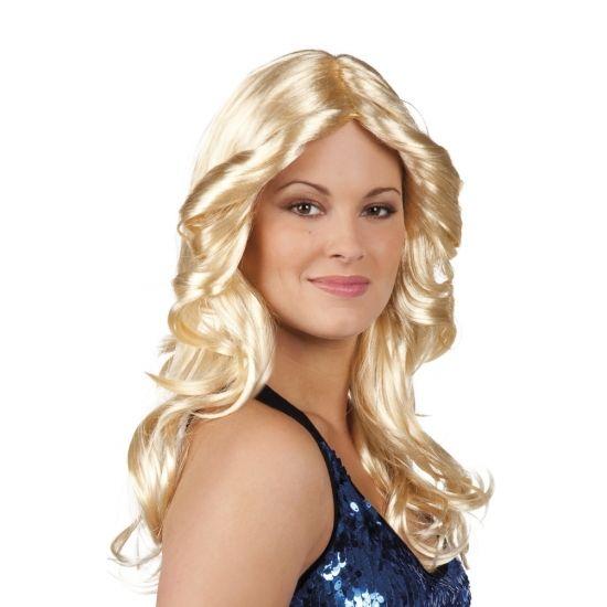 Jaren 70 pruik blond met pony  Disco pruik blond met krullen. Deze disco pruik heeft lang haar is blond en heeft krullen. Deze disco pruik maakt elke outfit compleet!  EUR 14.95  Meer informatie