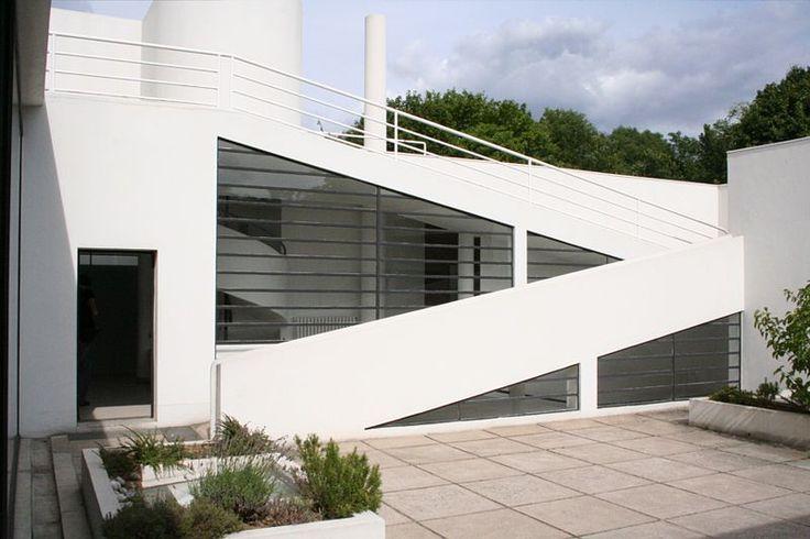 Le Corbusier, Villa Savoye, 1928, Poissy, France
