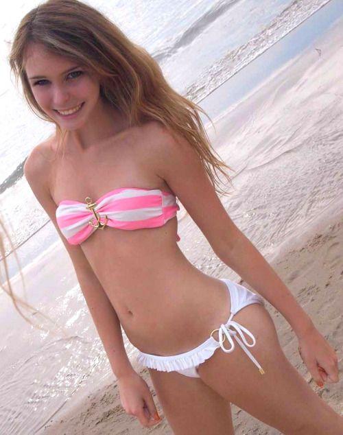 verry young girls in bikini